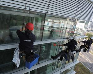 Umyvanie okennych tabul
